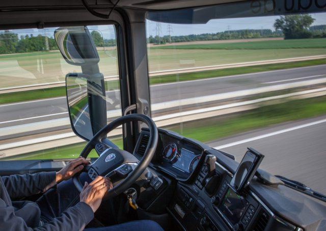 Stellenausschreibung LKW-Fahrer